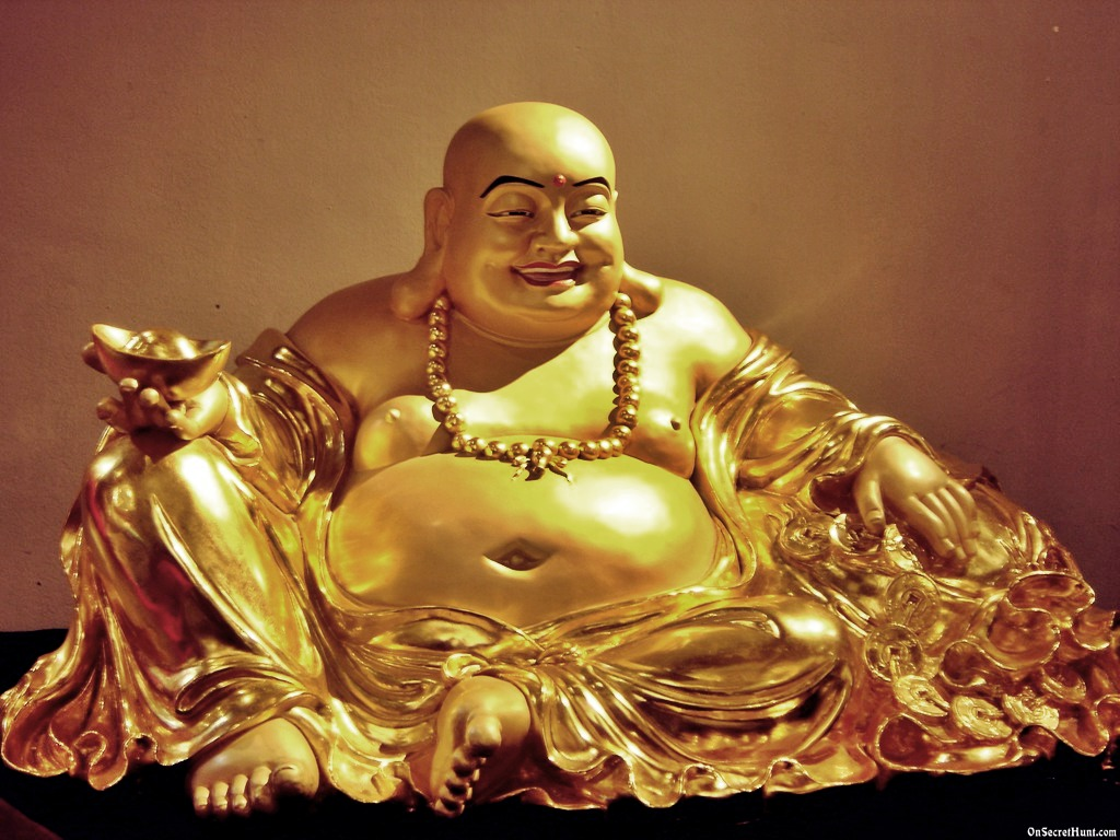 laughing-buddha-statue-wallpaper-1.jpg